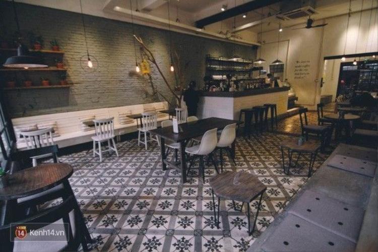Đặt chân đến những quán cafe này, bạn sẽ có được ảnh nền gạch hoa vintage!