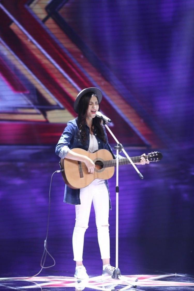 Tập mở màn: Diva Thanh Lam bị hoang mang giới tính vì nhóm nhạc toàn hotgirl
