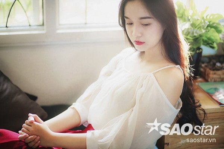 Nữ sinh Sài Gòn có gương mặt giống hệt Ngọc Trinh