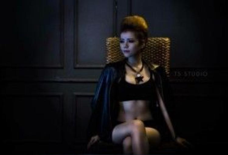 Cô đang là sinh viên năm 2 trường Cao đẳng nghệ thuật Hà Nội.
