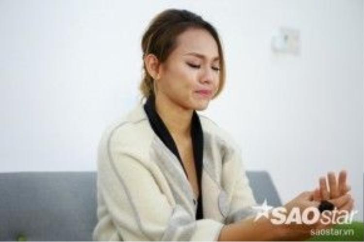 Mai Ngô bật khóc khi nhớ tới những khoảnh khắc trong buổi đánh giá và loại ở tập 3 - cũng là tập cô phải ra về