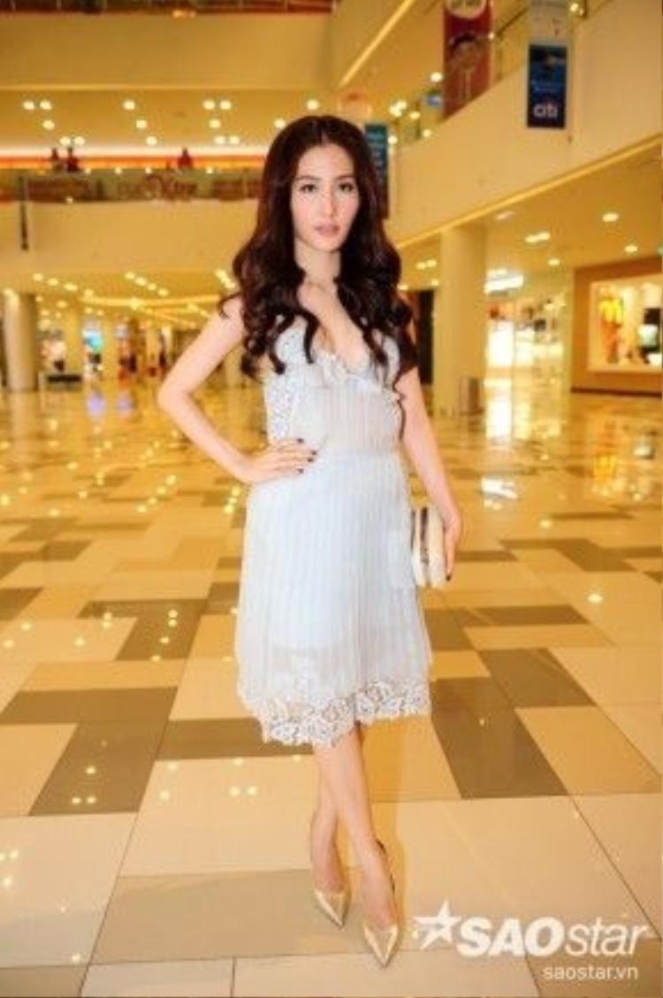 Nữ diễn viên xinh đẹp Diễm My 9x.