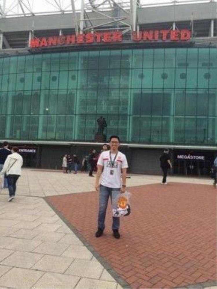 Đặc biệt yêu thích đội bóng Manchester United, Vũ Giang ước mơ một lần trong đời được làm việc tại sân Old Trafford.