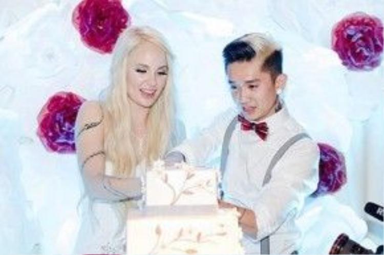 Dumbo và Tessa Lizz trong ngày cưới.