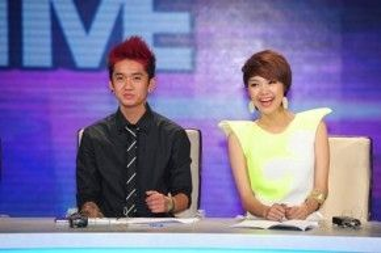 Dumbo làm giám khảo Got to dance cùng với Minh Hằng vào năm 2013.