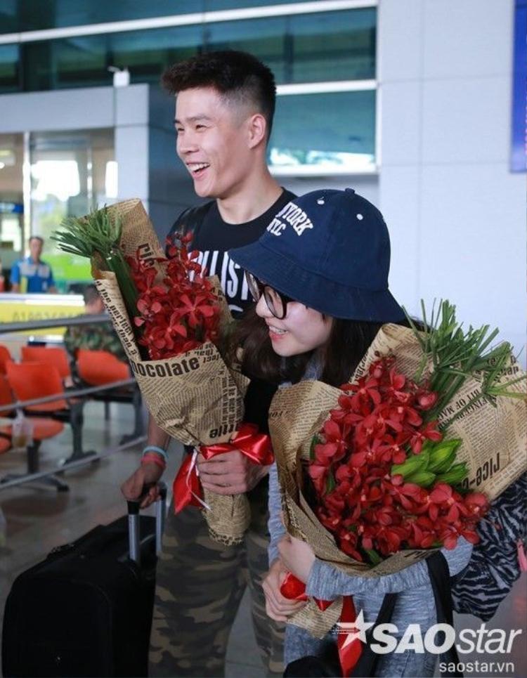 S.T ra tận sân bay đón vũ công Trung Quốc nổi tiếng