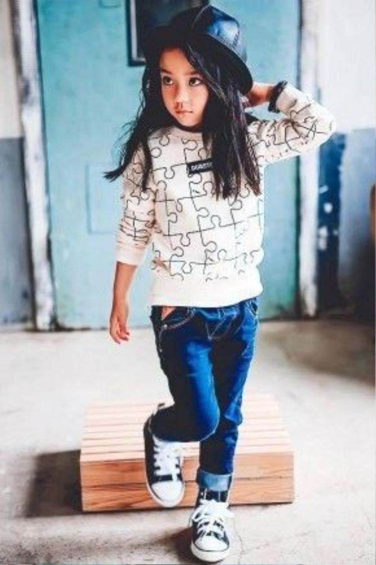 Hwang Sieun hứa hẹn sẽ là gương mặt đầy triển vọng của làng thời trang xứ sở kim chi trong tương lai.