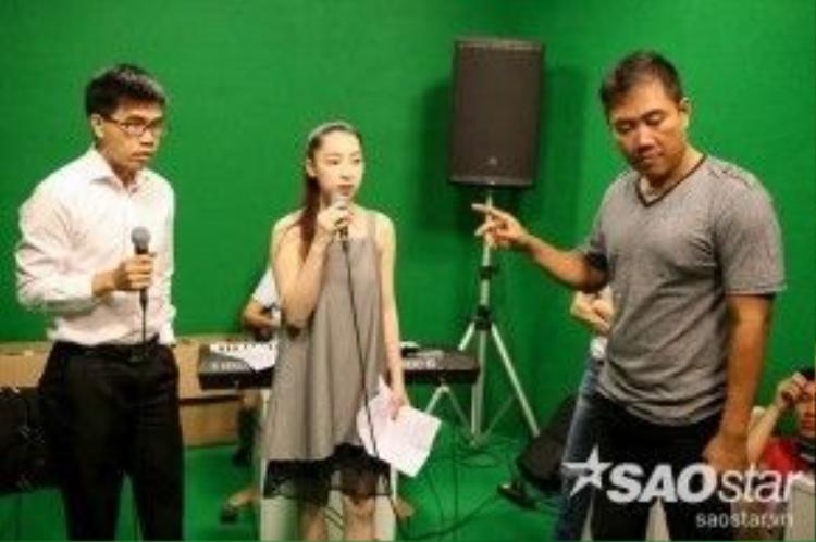 Ở đội HLV Cẩm Ly, Cao Công Nghĩa sẽ kết hợp cũng thí sinh Thành Thiện trong liên khúc Biệt ly. Loạt ca khúc kể về chuyện tình buồn của cặp đôi sắp sửa chia xa nhau.
