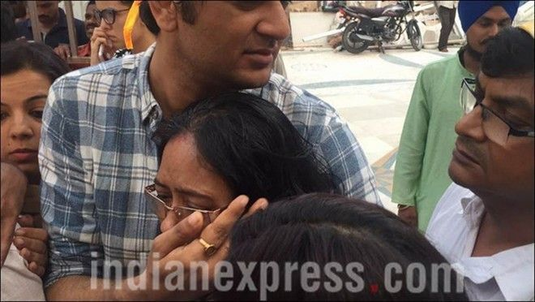 Vụ Cô dâu 8 tuổi tự tử: Bạn trai bị cáo buộc 4 tội, Anandi nợ nần và nghiện rượu
