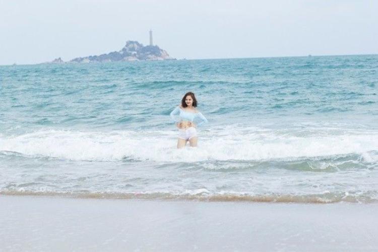 Miu Lê chính thức trở lại với âm nhạc sau bom tấn điện ảnh