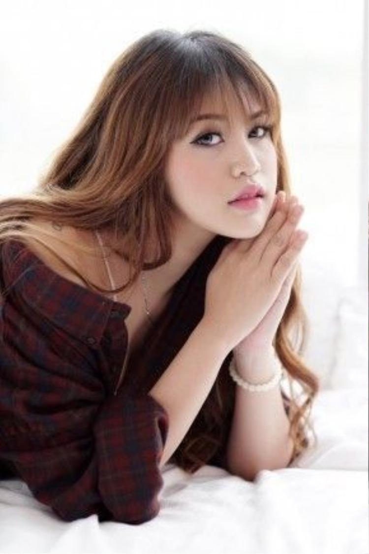 Trần Hải Băng (SN1993) không chỉ được biết đến với vai trò của một doanh nhân trẻ thành đạt trong việc chăm sóc sắc đẹp mà cô còn khiến nhiều người hâm mộ bởi vẻ ngoài đáng yêu, tươi trẻ khiến người đối diện nhìn là mê.