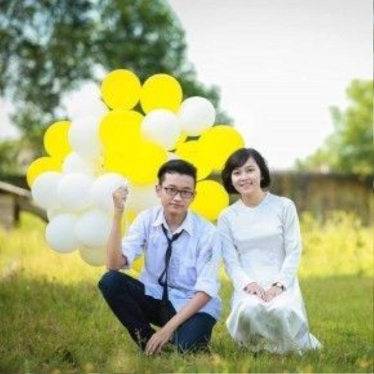 Nguyễn Thị Hà Giang (phải) giành 6 học bổng ĐH Mỹ mùa tuyển sinh năm nay. Và một suất học bổng trong số đó trị giá tới gần 6 tỷ đồng.
