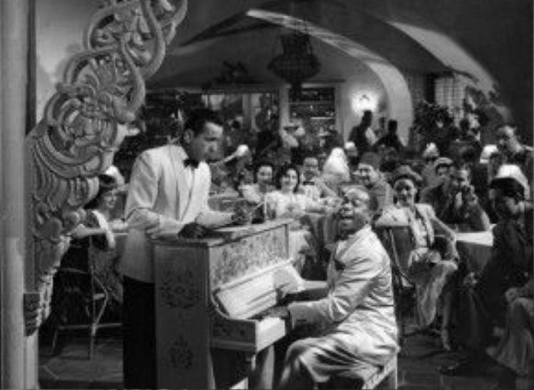"""Cây đàn piano ở quán Rick""""s Cafe Americain đã được đem ra bán đấu giá trong cuộc đấu giá các kỷ vật điện ảnh do hãng Bonhams tổ chức ở New York vào tháng 11/2014."""