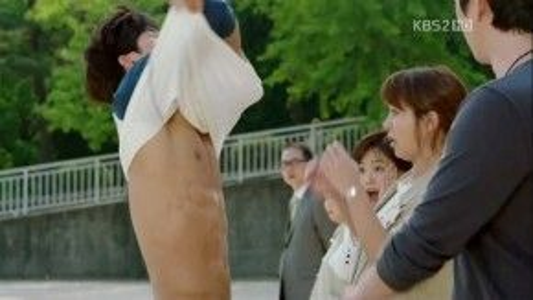 Gong Yoo sở hữu body cực đẹp làm điên đảo cả nữ giới lẫn nam giới.