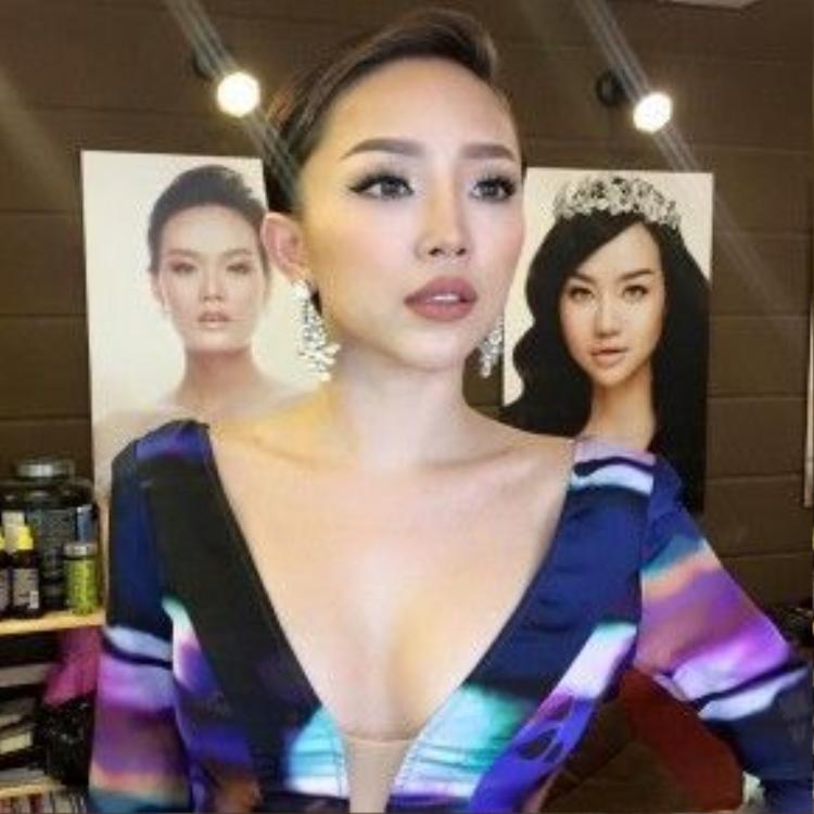 Ngoài hoa hậu Kỳ Duyên ra thì Tóc Tiên cũng là một trong những nghệ sĩ nữ có số lần cộng tác với anh chàng cực nhiều và ăn ý.