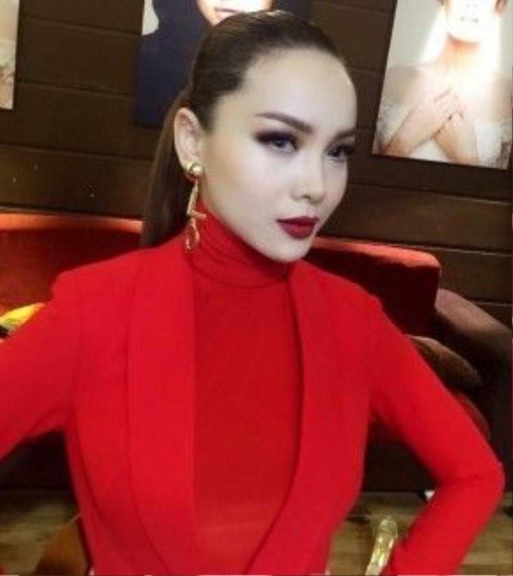 Yến Trang cũng là khách hàng thân thuộc của anh ấy.
