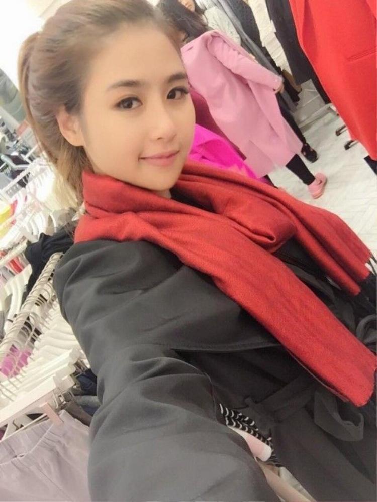 Danh tính mỹ nữ bên cạnh Phan Thành hậu chia tay Midu