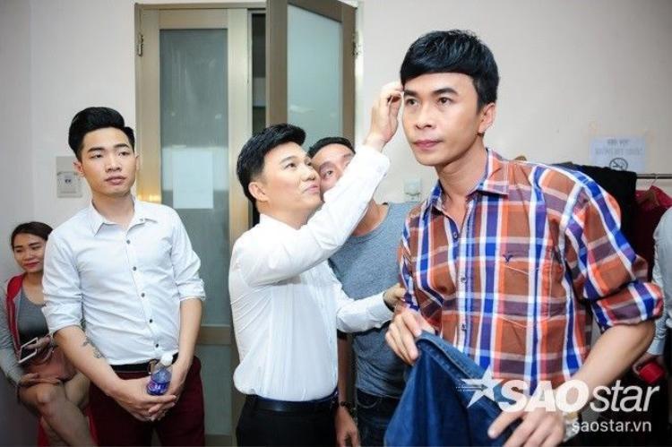 Cẩm Ly nổi bần bật cạnh Đan Trường, Quang Dũng nâng khăn sửa túi cho Quang Linh