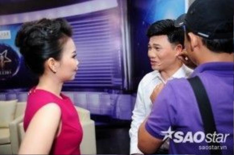 Vui vẻ trò chuyện cùng Quang Linh trước giờ G.