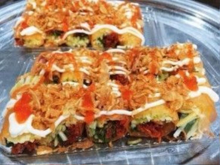 Một trong những món ăn từ bánh tráng Trảng Bàng rất được yêu thích tại TP HCM.