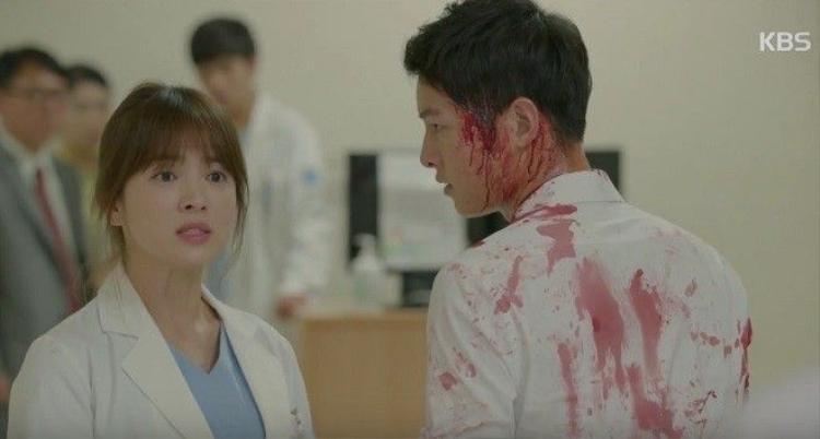 Tập 14: Chết đi sống lại, Song Joong Ki được dịp chia giường cùng người đẹp