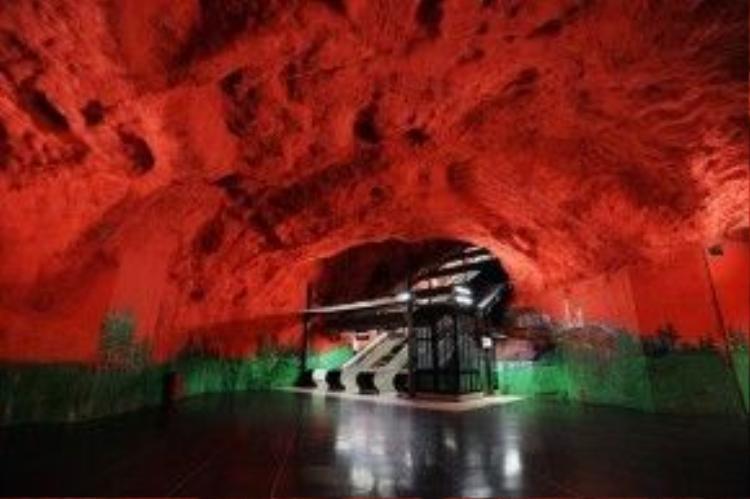 Trần nhà của ga tàu điện ngầm Centrum Solna ở Thủ đô Stockholm của Thụy Điển.
