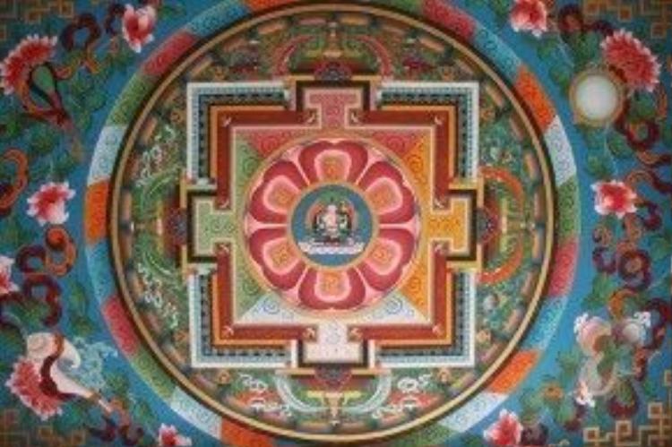 Trần nhà được thiết kế mang hơi thở cuộc sống trong một ngôi đền ở Nepal.