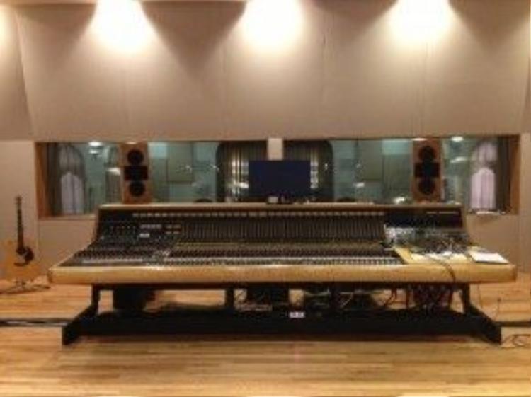 Hệ thống âm thanh hoàn hảo do nhà âm học lừng danh Russel Johnson thiết kế là điểm đặc trưng, thu hút khán giả nhất của Nhà hát Esplanade. Ảnh: wwno.