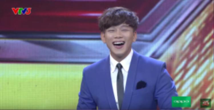 Anh chàng hứa hẹn đem đến những khoảnh khắc đáng nhớ khi làm bộ tứ giám khảo phải dở khóc dở cười vì tưởng lầm là người Hàn Quốc.