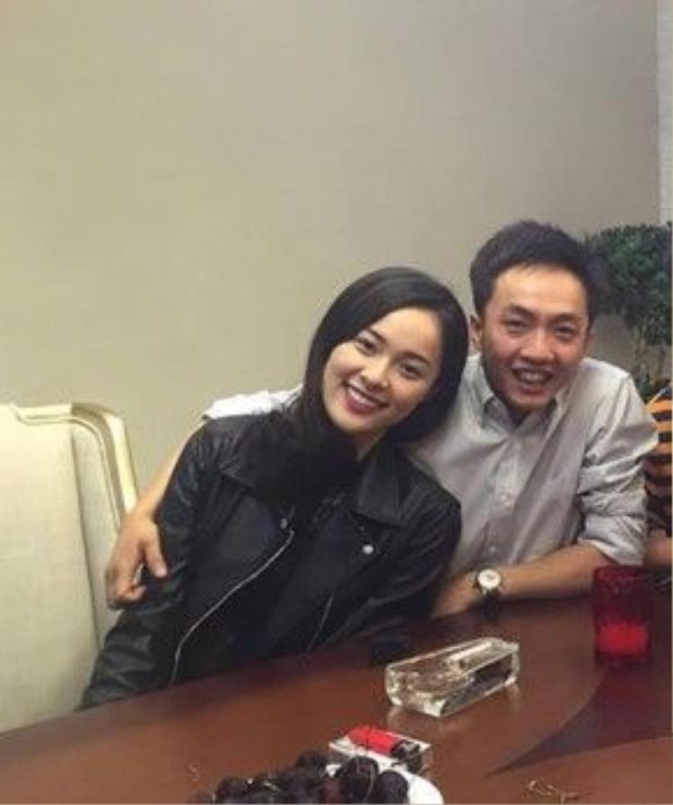 Vừa qua, Hạ Vi chính thức phủ nhận tin đồn chia tay Cường Đô La. Người đẹp khẳng định, cả hai vẫn đang rất hạnh phúc.