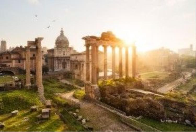 Dù là phế tích, thế nhưng những công trình ở Rome (Ý) vẫn cuốn hút hàng triệu du khách tham quan.
