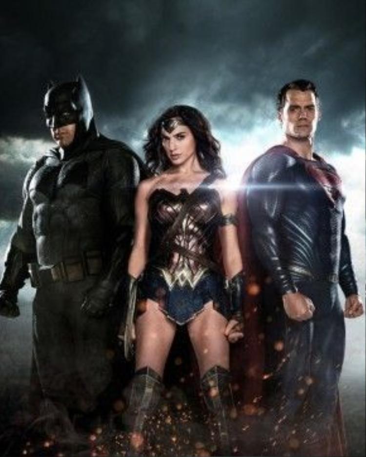 Cơn sốt 'Superman v Batman' vẫn chưa hạ nhiệt sau 14 ngày liên tục dẫn đầu doanh thu phòng vé.