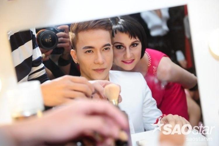 Jennifer Phạm, Khánh My diện áo dài khoe sắc cùng dàn kiện tướng Dancesport quốc tế