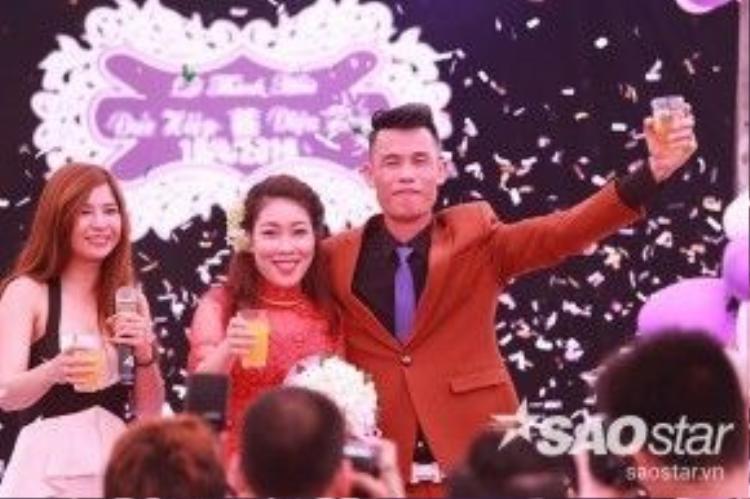 Ca sĩ Lưu Kỳ Hương làm MC cho đám cưới Hiệp Gà.
