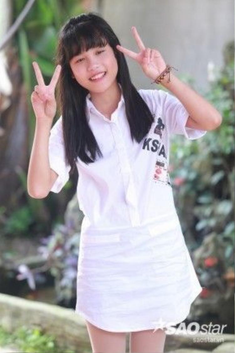 Bé Hân Huyền (12 tuổi) là con gái của Hiệp Gà với vợ đầu tiên - Thanh Quý.
