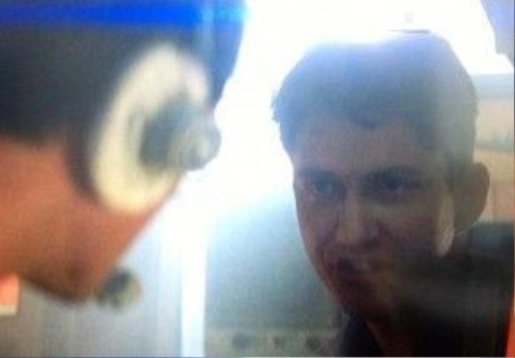 Tomorrow Never Dies (1997): Bộ phim đánh dấu lần đầu tiên Gerard Butler xuất hiện trên màn ảnh rộng là bom tấn thứ 18 thuộc loạt phim 007. Tuy nhiên, tài tử chỉ xuất hiện trong giây lát với một, hai câu thoại. Chỉ có những khán giả tinh ý mới có thể kịp nhận ra chàng trai 28 tuổi Gerard Butler khi ấy. Ảnh: United Artists