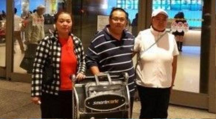 Anh chị của Minh Béo đã sang Mỹ để tham dự phiên toàn diễn ra vào ngày 15/4.