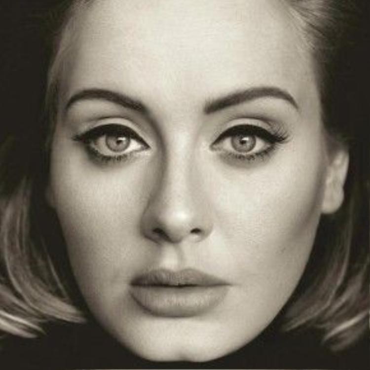 """Ánh mắt """"ám ảnh"""" làm nên thương hiệu Adele."""