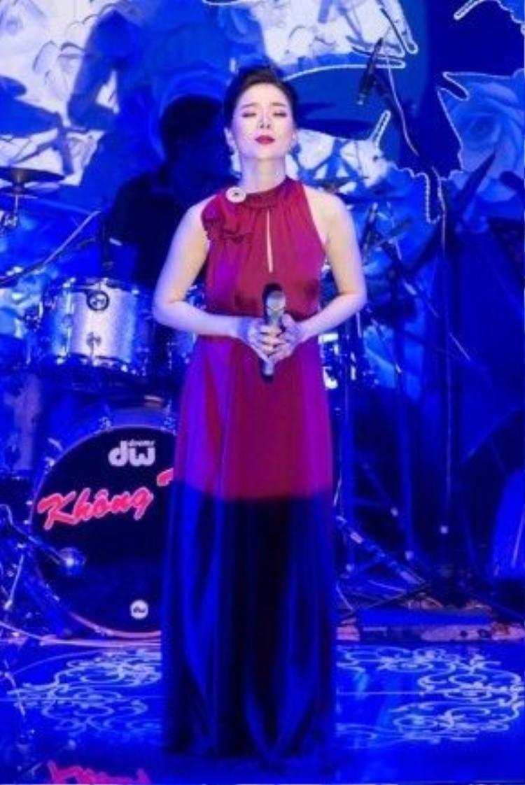 Những khoảnh khắc khó quên trong đêm nhạc ra mắt CD mới của cô.