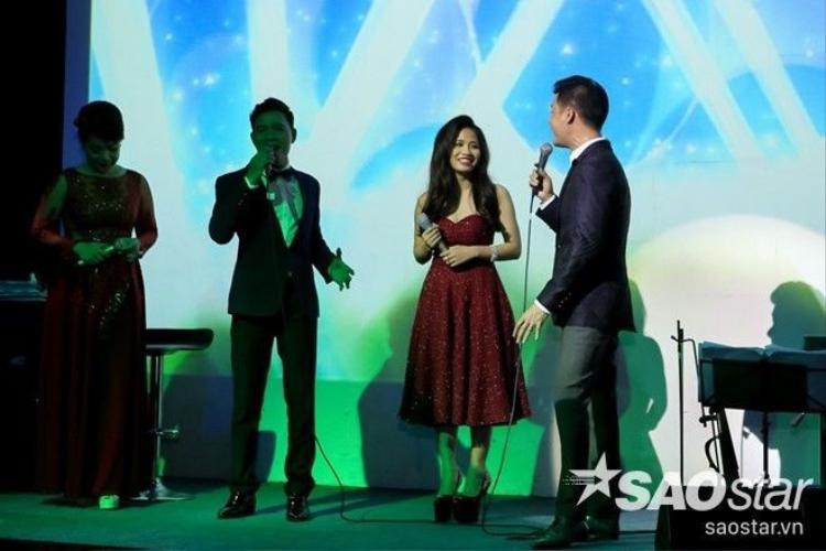 Ấn tượng với trải nghiệm sân khấu sang chảnh của team HLV Quang Dũng