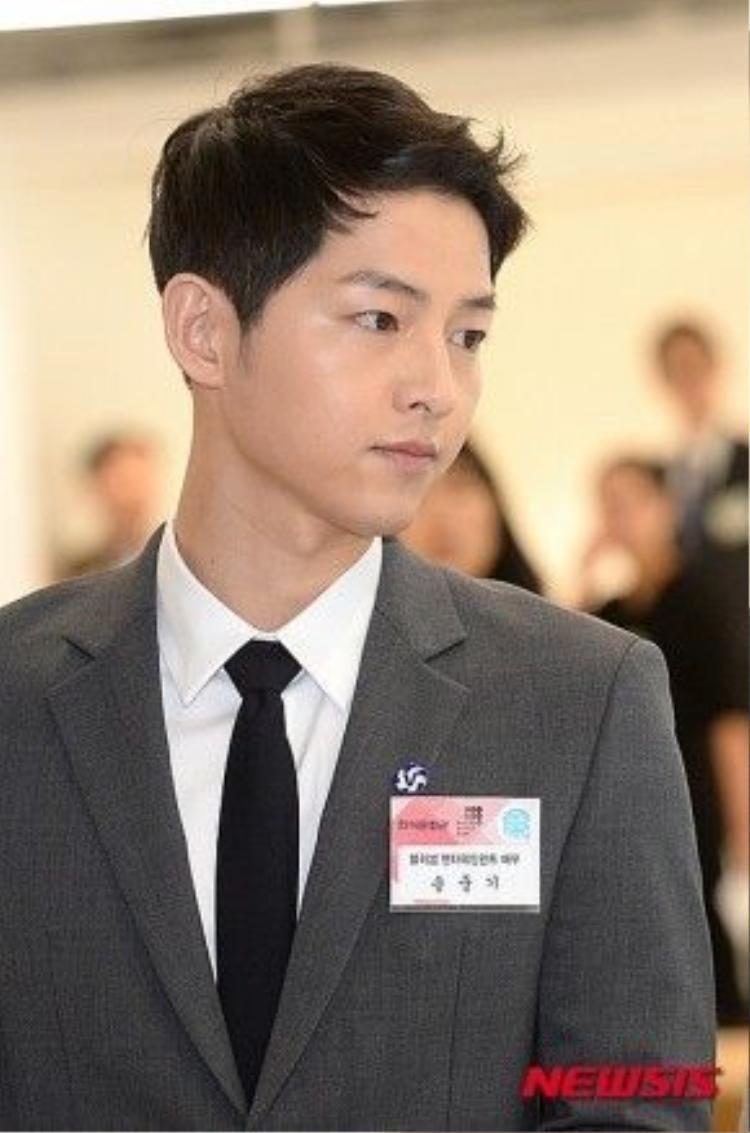 Song Joong Ki xuất hiện tại sự kiện sáng 11/4.