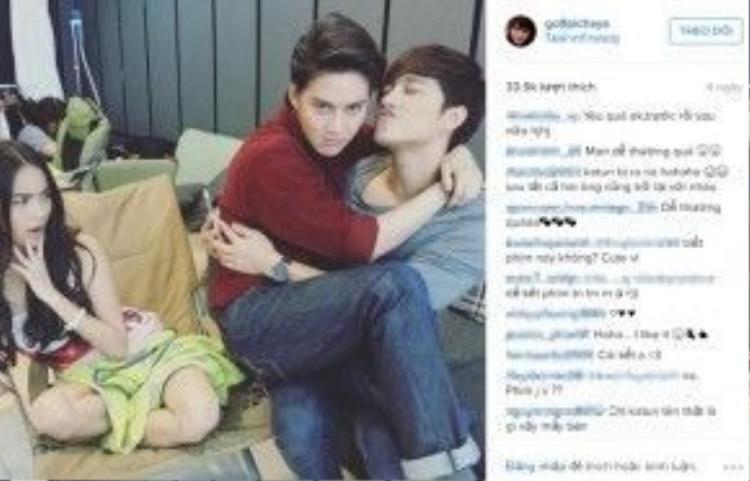 Fans Việt không bỏ lỡ bất kỳ khoảnh khắc nào để bày tỏ tình yêu với Man.