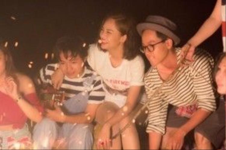MV ngập tràn những cảnh quay vui đùa cùng bạn bè của Miu Lê.