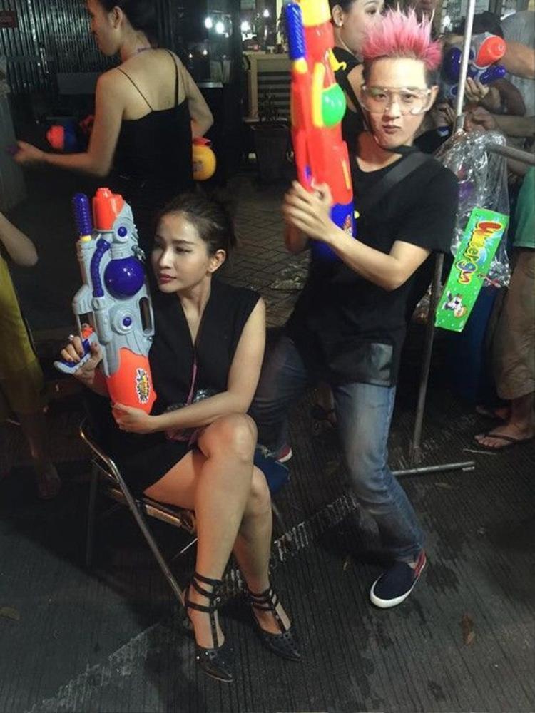 Ái Phương, Đại Nhân, Thanh Duy kéo nhau sang Thái Lan chơi té nước
