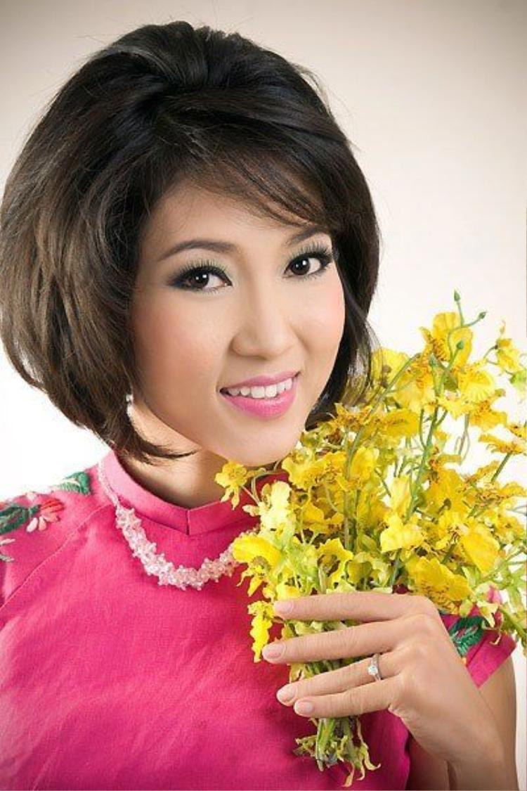 Ngọc Trinh là đồng hương với những ai trong showbiz Việt?