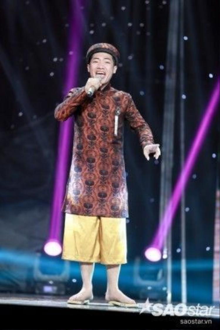 Còn với Tạ Đình Nguyên, anh sẽ thể hiện Ghen, một sáng tác của nhạc sĩ Phan Khanh với giai điệu vô cùng lý thú.