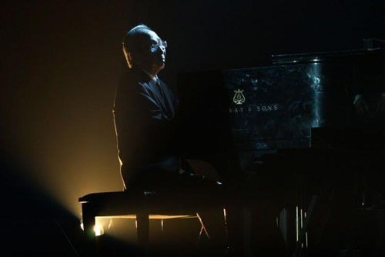 Những hình ảnh cảm động của nhạc sĩ Nguyễn Ánh 9 bên cây đàn tri kỷ