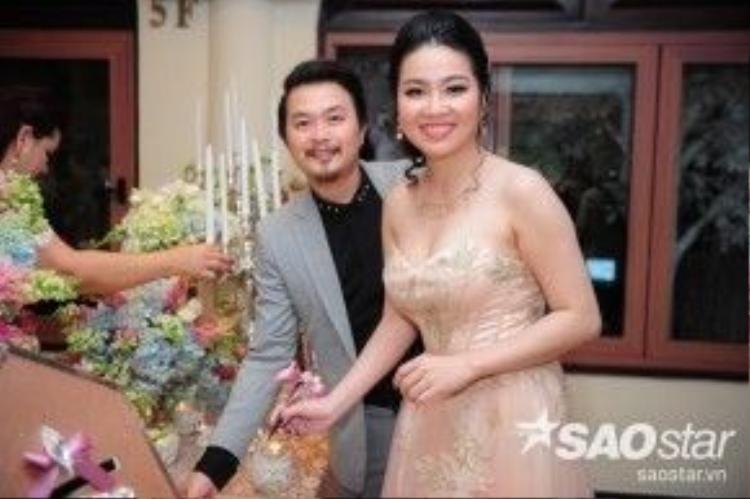 Vợ chồng Lê Khánh - Tuấn Khải đến chia vui cùng Lương Thế Thành - Thúy Diễm.