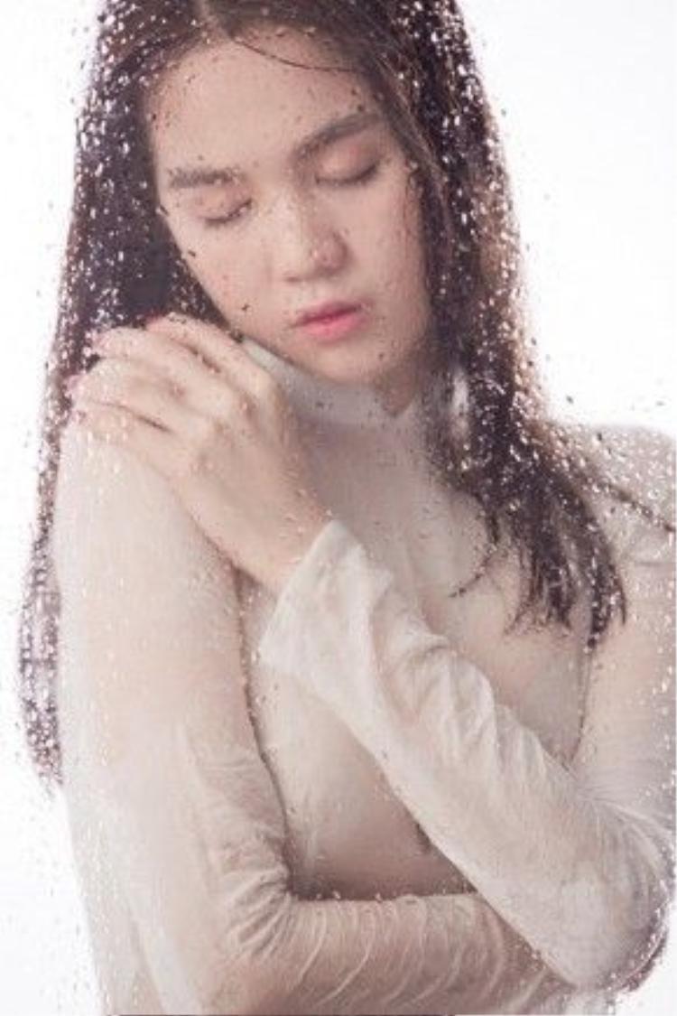 MV nhạc phimcho Vòng eo 56 do Ngọc Trinh thủ vai chính đã lên sóng.