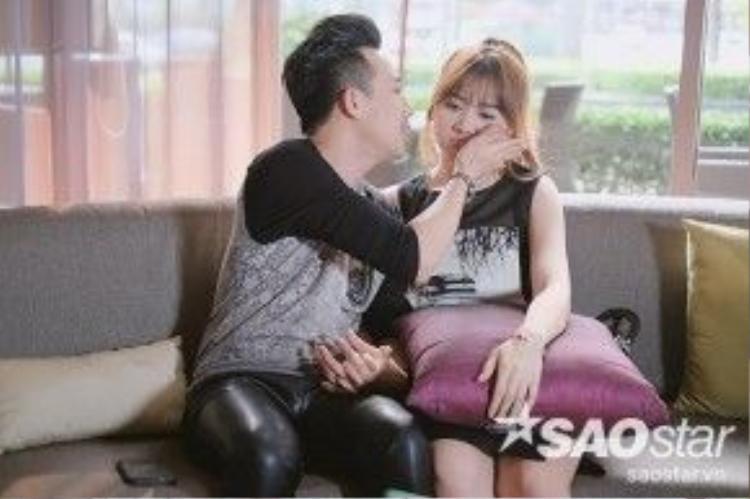 Trấn Thành luôn biết cách cưng chiều Hari Won.